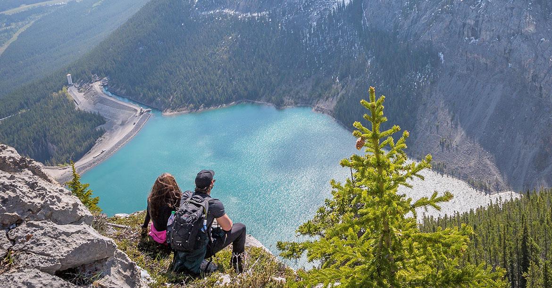 go global, hiking, mountain top