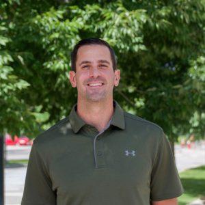 Derek Como, profile
